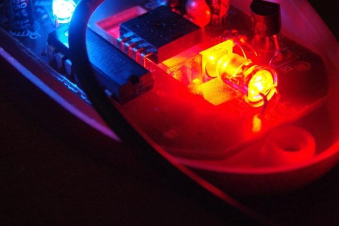 نور قرمز ماوس